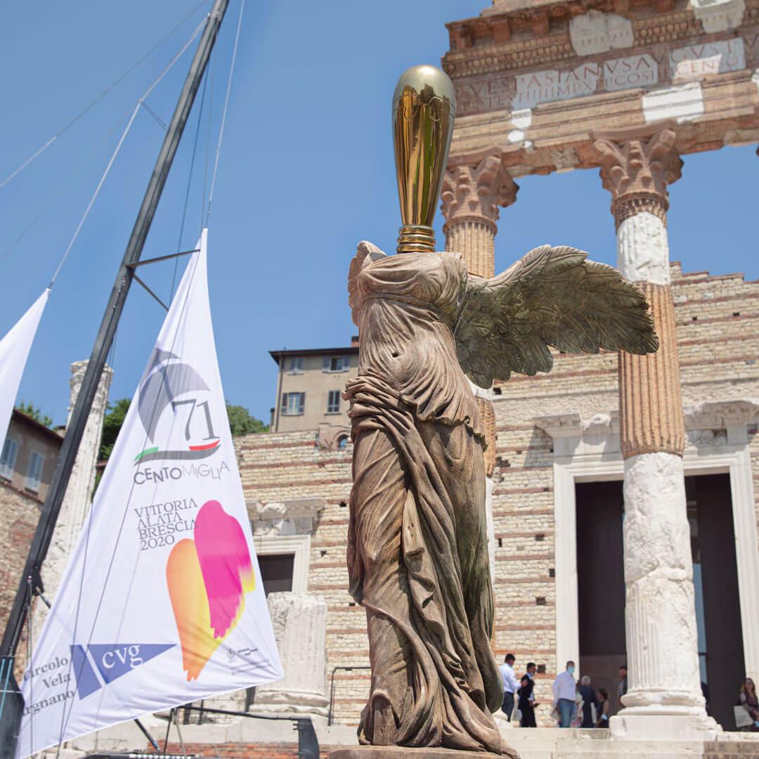foto statua vittoria alata